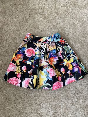 Floral print skirt, size S for Sale in Castro Valley, CA