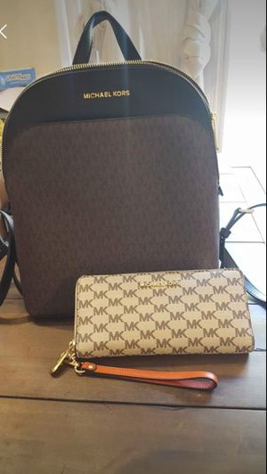 Michael kors backpack and wallet for Sale in Columbia, SC