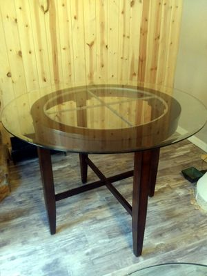 Beveled glass kitchen table for Sale in New Port Richey, FL