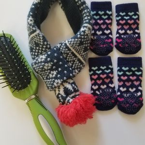 Dog anti-slip socks/scarf and brush small size 🐶 for Sale in Tacoma, WA
