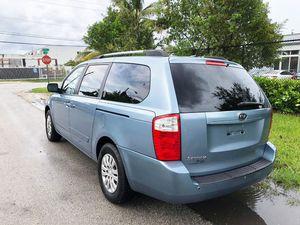 2012 KIA SEDONA. for Sale in Miami, FL