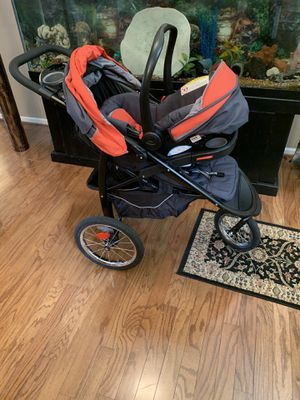 Car seat and jogger stroller for Sale in Summerville, SC