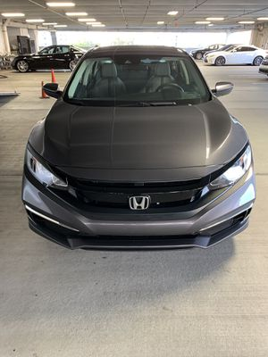 Honda civic 2019 rebuilt con 18 mil millas chocado por la puerta del pasajero maneja perfecto for Sale in Hialeah, FL