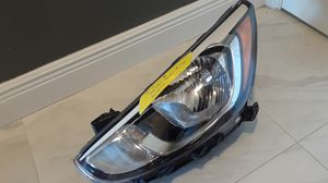 HYUNDAI ACCENT 2015 2016 2017 LEFT/DRIVER SIDE OEM HEADLIGHT #92101-1R7XX for Sale in Buena Ventura Lakes, FL