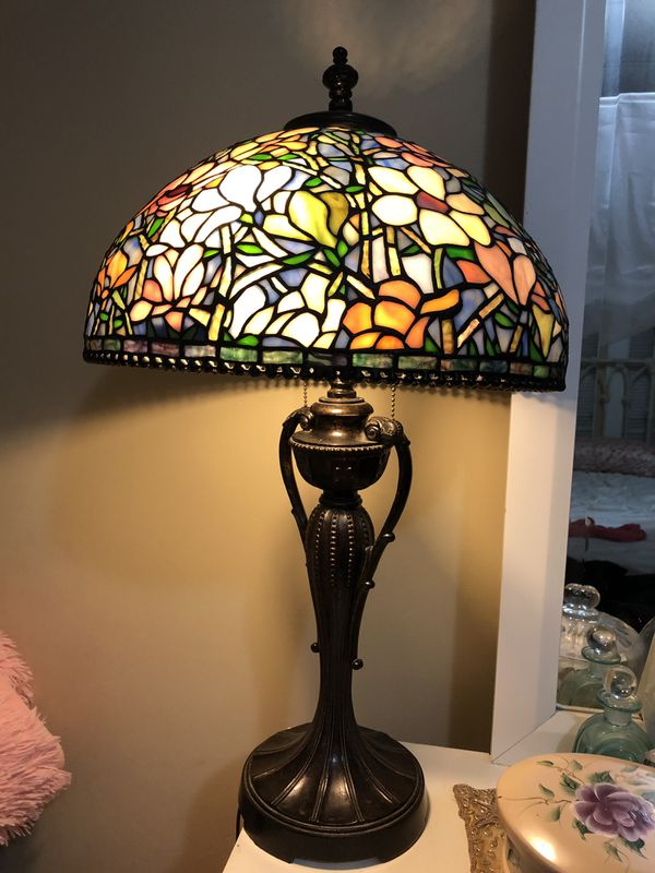 Gorgeous Dale Tiffany Lamp