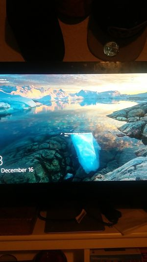 HP All in One touch screen with Windows 10 Practically brand new. for Sale in Mustang, OK