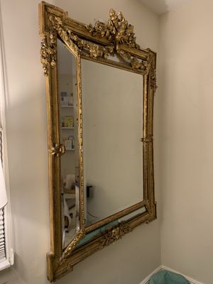Gorgeous Antique Gold Mirror for Sale in Coral Gables, FL