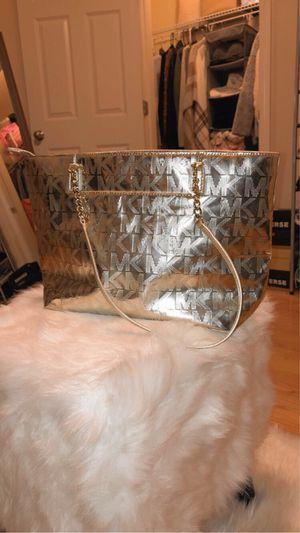 Michael kors bag for Sale in Montville, CT
