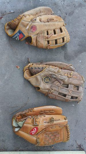 Mizuno,Wilson,& Rawlings baseball gloves for Sale in Houston, TX