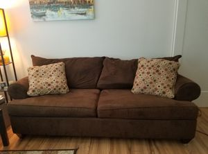 Large comfortable brown couch with throw pillows for Sale in MIDDLE CITY EAST, PA