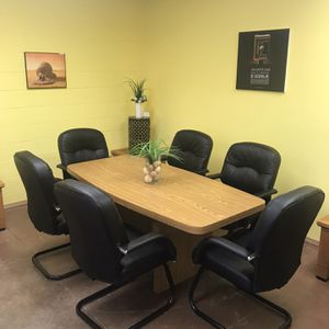 Beautiful dining table with chairs for Sale in Spring Valley, CA