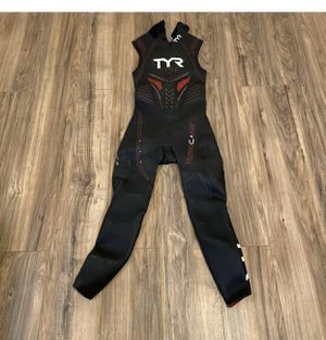TYR Men's Hurricane Category 5 Sleeveless Wetsuit, Medium for Sale in Las Vegas, NV