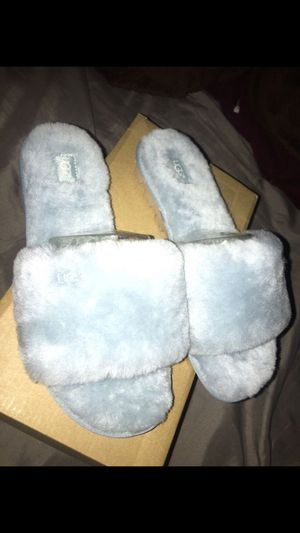 UGG W COZZETE SIZE 8 for Sale in Lynwood, CA