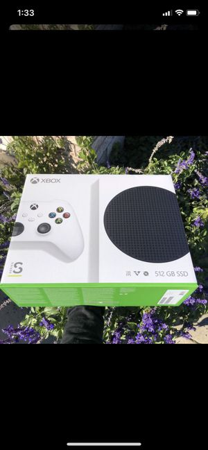 Microsoft Xbox Series S 512GB SSD White Console with Bundle - IN HAND for Sale in Norwalk, CA