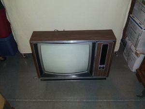 "Zenith 19"" color tv for Sale in San Jose, CA"