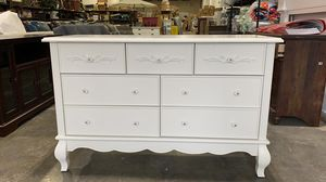 BRAND NEW Evolur Aurora 7-Drawer Double Dresser, Ivory Lace for Sale in Hilliard, OH