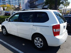 2008 Kia Sedona minivan for new tires sunroof roof rack excellent condition $3,400 for Sale in San Diego, CA