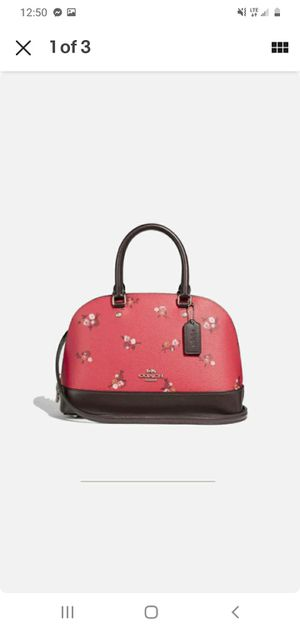 Cute girly coach pocketbook for Sale in Lexington, SC
