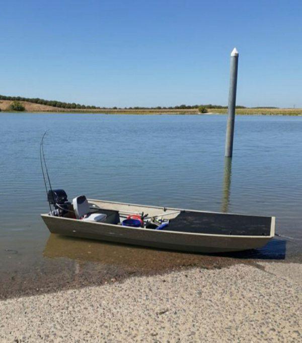 12 foot hunting or fishing bass boat