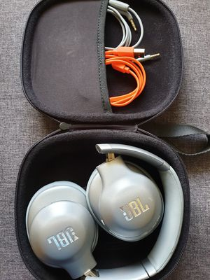 JBL EVEREST 710 Wireless o Headphones w/ Voice & Built-In Remote & Mic for Sale in Palos Hills, IL
