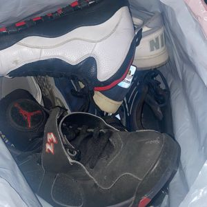 Free Jordan's Shoes And WhatNot for Sale in Los Angeles, CA