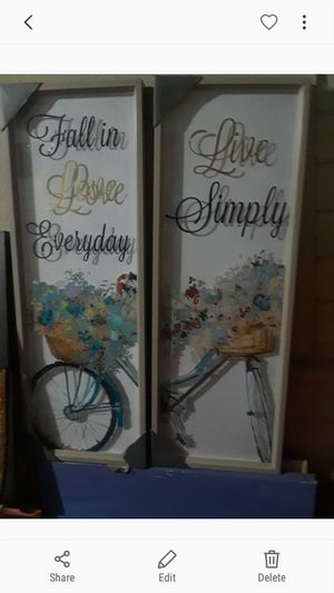 Live Simply & Fall in Love Everyday wall decor $20.00 cash only (serious buyers) for Sale in Dallas, TX
