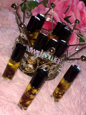 "Mwah "" N "" Boujee Elegance Lip oil for Sale in Rosamond, CA"