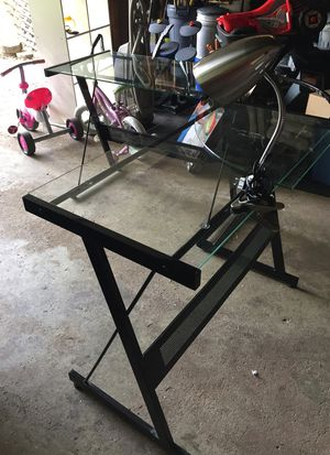L shaped Desk with desk lamp for Sale in Downers Grove, IL