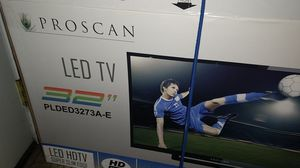 """Nearly new 32"""" flat screen TV for Sale in Tacoma, WA"""