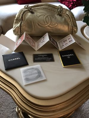 Chanel Metallic Gold Leather Luxe Ligne Medium Bowler Bag for Sale in Orlando, FL