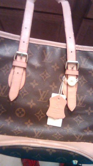 louis vuitton paris hand bag for Sale in Stockton, CA