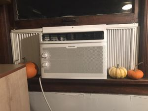 Window AC unit for Sale in Seattle, WA
