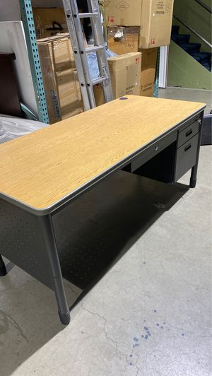Computer desk for office for Sale in Los Angeles, CA