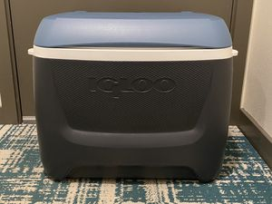 Rolling Igloo cooler for Sale in Seattle, WA