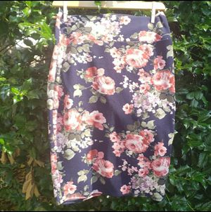 Vivienne Grace flowered pencil Skirt for Sale in Alexandria, VA