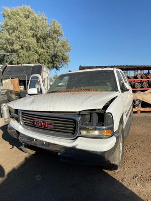 2003 GMC Yukon parting out para partes for Sale in Phoenix, AZ