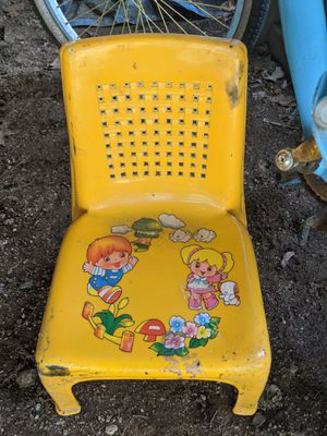 Vintage kids plastic chair for Sale in Milford, MA