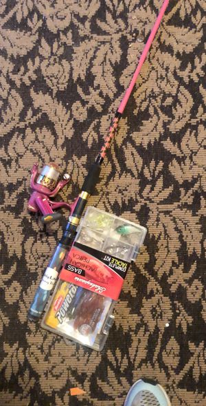 Pink fishing rod with bait for Sale in Phoenix, AZ