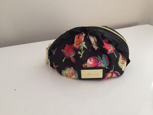Betsy Johnson Makeup Bag for Sale in Westerville, OH