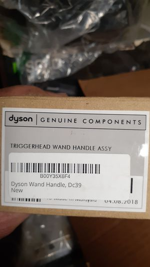 Dyson genuine components this is a Dyson triggerhead wand handle assembly new dc39 for Sale in Apple Valley, CA