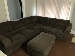 Sectional couch with ottoman & pillows for Sale in Cleveland, OH
