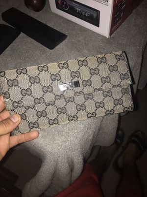 Gucci woman wallet for Sale in Dallas, TX