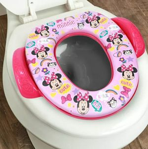 Disney Ginsey Home Solutions Potty with Hook - Minnie Mouse for Sale in Los Angeles, CA