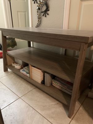 Free stand tv for Sale in Mesa, AZ