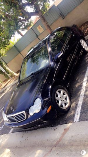 2002 Mercedes Benz C240 Parting out ! Fit 2001 2003 2004 2005 2006 2007 c230 door motor transmission seats for Sale in Gardena, CA