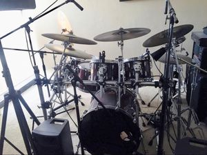 Pearl custom Master Edition Drum Set as shown for Sale in North Miami, FL