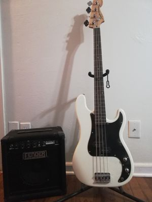 Fender Bass with amp for Sale in La Mesa, CA