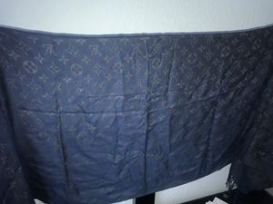 Luis Vuitton scarf for Sale in Seattle, WA