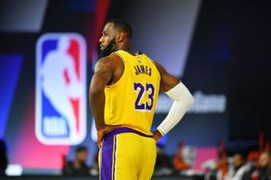 Selling pack of 3 LAKERS SEASON TICKETS FOR WHOLE 2020-21 SEASON for Sale in Santa Monica, CA