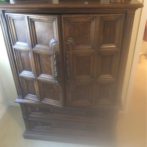 Cloths Cabinet for Sale in Houston, TX
